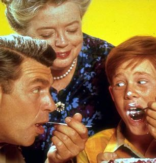 Don Knotts and Frances Bavier - The Andy Griffith Show Picture