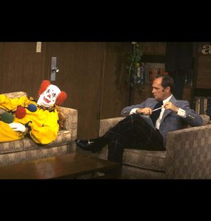 Bob Hartley advises a clown - The Bob Newhart Show Picture