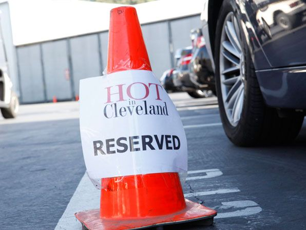 Hot In Cleveland - Staff Parking - Hot in Cleveland Picture
