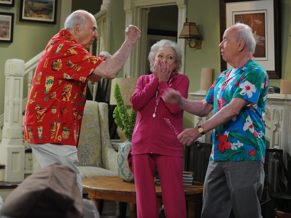 Put up your dukes Guest - Hot in Cleveland Picture