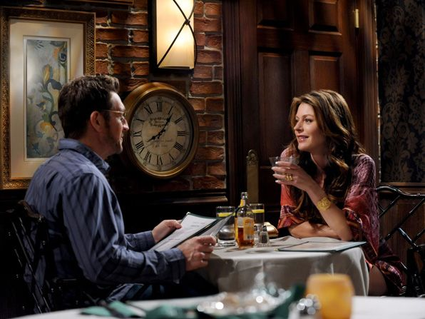 Joy Jane Leeves thinks she's - Hot in Cleveland Picture