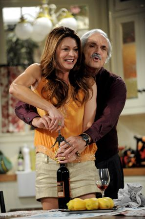 Victoria's womanizing father can't resist - Hot in Cleveland Picture