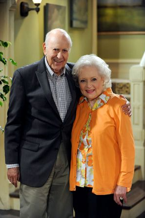 Betty White and Carl Reiner - Hot in Cleveland Picture