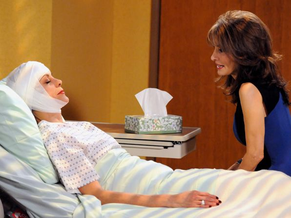 Victoria Wendie Malick calls Susan - Hot in Cleveland Picture