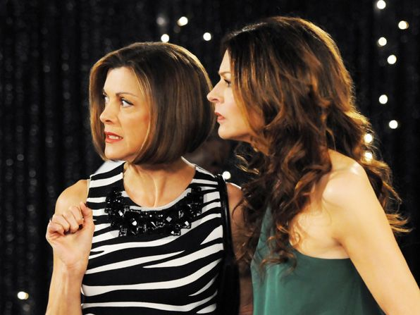 Joy Jane Leeves and Victoria - Hot in Cleveland Picture