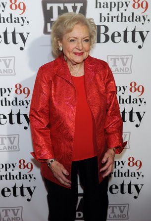 Before her party Betty White - Hot in Cleveland Picture