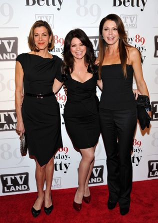 Dress code Wendie Malick left - Hot in Cleveland Picture
