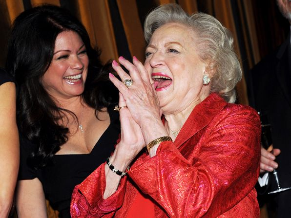 Betty White's Hot in Cleveland - Hot in Cleveland Picture