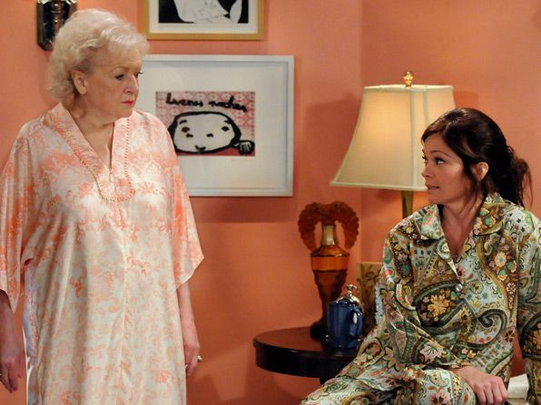 Elka Betty White believes she - Hot in Cleveland Picture
