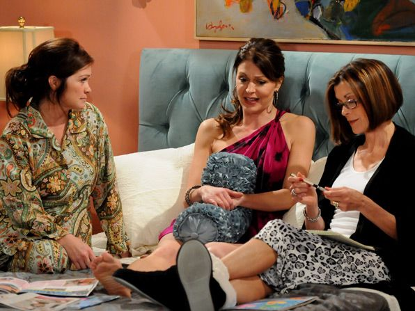 Melanie Valerie Bertinelli and Victoria - Hot in Cleveland Picture