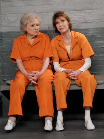 While doing time Elka Betty - Hot in Cleveland Picture