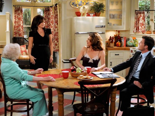 Melanie Valerie Bertinelli dons a - Hot in Cleveland Picture