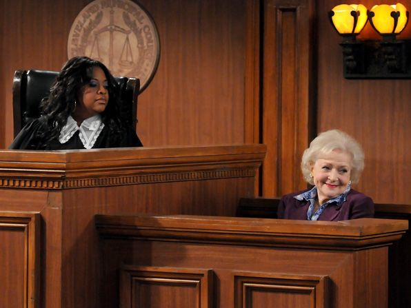 Elka Betty White tries to - Hot in Cleveland Picture