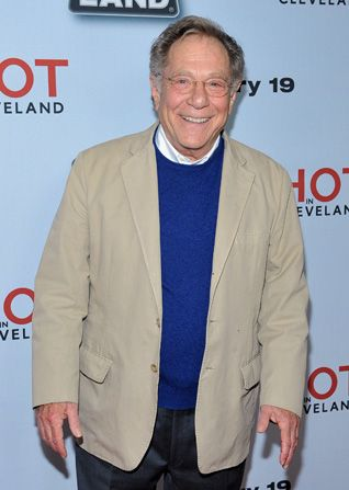 Jovial George Segal sans his - Hot in Cleveland Picture