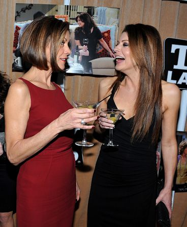 Wendie Malick and Jane Leeves - Hot in Cleveland Picture