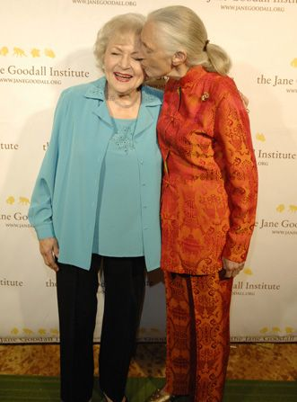 Similar to Jane Goodall right - Hot in Cleveland Picture