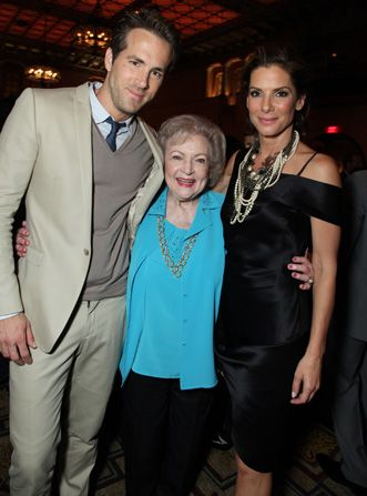 Ryan Reynolds Betty White and - Hot in Cleveland Picture