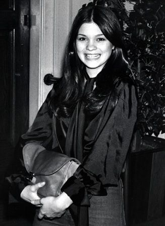 Valerie Bertinelli looks quite the - Hot in Cleveland Picture