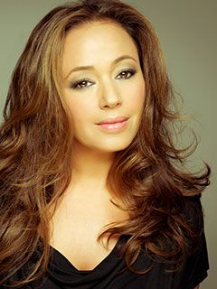 Leah Remini Guest Stars on The Exes